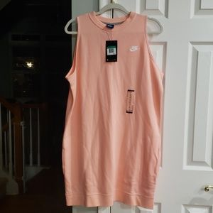 NWT Nike sleeveless dress with pockets